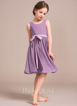 A-Line Scoop Neck Knee-Length Chiffon Junior Bridesmaid Dress With Bow(s) (009081154)