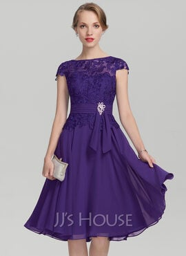 A-Line Scoop Neck Knee-Length Chiffon Lace Mother of the Bride Dress With Beading (008131948)