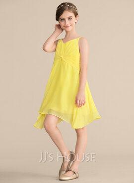A-Line V-neck Knee-Length Chiffon Junior Bridesmaid Dress With Ruffle (009165029)
