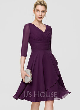 A-Line V-neck Knee-Length Chiffon Cocktail Dress With Ruffle Lace Sequins (016189327)