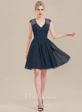A-Line V-neck Knee-Length Chiffon Lace Bridesmaid Dress (007116629)