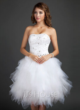 A-Line Sweetheart Knee-Length Tulle Homecoming Dress With Beading Appliques Lace Sequins Cascading Ruffles (022015335)