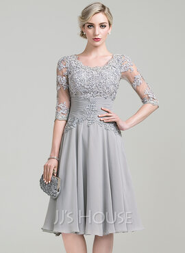 A-Line Scoop Neck Knee-Length Chiffon Mother of the Bride Dress With Ruffle Appliques Lace (008085301)