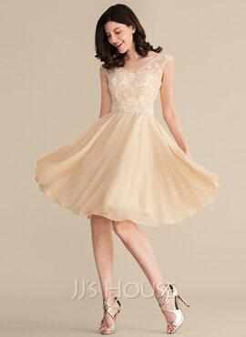 A-Line/Princess V-neck Knee-Length Chiffon Lace Bridesmaid Dress With Beading Sequins (007153360)