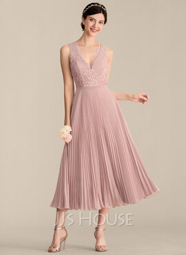 A-Line/Princess V-neck Tea-Length Chiffon Lace Bridesmaid Dress With Pleated (007165861)