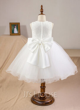 Ball-Gown/Princess Knee-length Flower Girl Dress - Satin/Tulle/Lace Sleeveless Scoop Neck With Bow(s) (010094093)