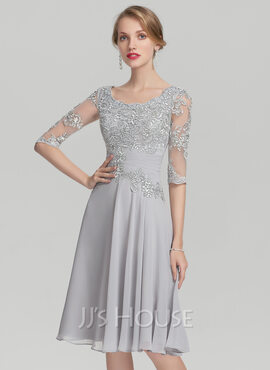 A-Line Scoop Neck Knee-Length Chiffon Mother of the Bride Dress With Ruffle Appliques Lace (008139171)
