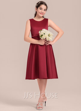 A-Line Scoop Neck Knee-Length Satin Junior Bridesmaid Dress With Lace Bow(s) (009130614)