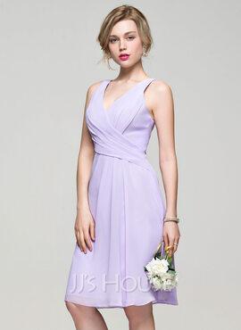 A-Line/Princess V-neck Knee-Length Chiffon Bridesmaid Dress With Ruffle (007074191)