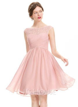A-Line Scoop Neck Knee-Length Chiffon Homecoming Dress With Ruffle Lace Beading Sequins (022120470)