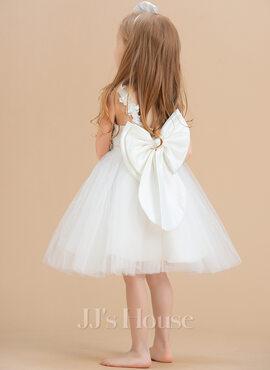 A-Line Knee-length Flower Girl Dress - Satin/Tulle/Lace Sleeveless Scoop Neck With Flower(s)/V Back (010131721)