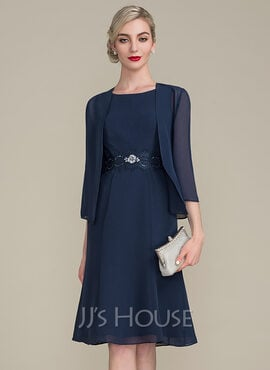 A-Line Scoop Neck Knee-Length Chiffon Mother of the Bride Dress With Ruffle Lace Beading Sequins (008102679)