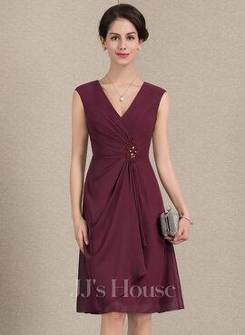 A-Line/Princess V-neck Knee-Length Chiffon Mother of the Bride Dress With Beading Sequins Cascading Ruffles (008143381)