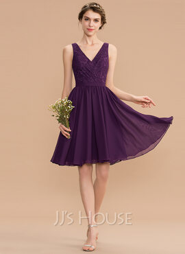 A-Line V-neck Knee-Length Chiffon Lace Bridesmaid Dress With Ruffle (007165837)