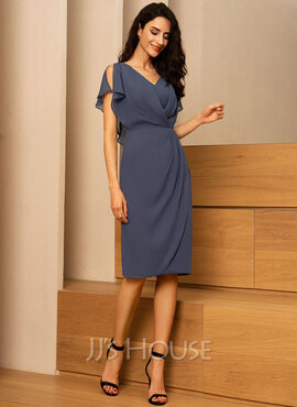 Sheath/Column V-neck Knee-Length Chiffon Cocktail Dress With Ruffle (016121910)