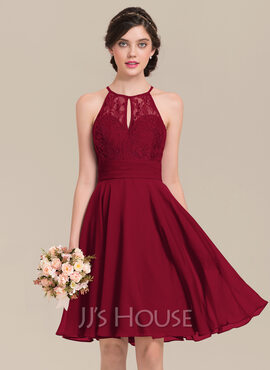 A-Line Scoop Neck Knee-Length Chiffon Lace Bridesmaid Dress With Ruffle Bow(s) (007126428)
