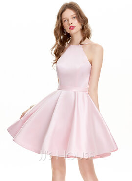 A-Line Scoop Neck Short/Mini Satin Homecoming Dress (022127947)