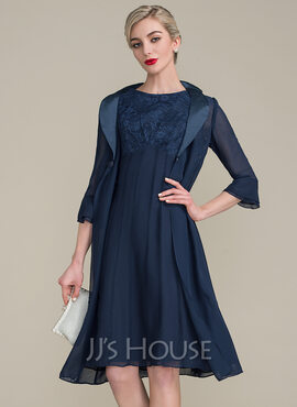 A-Line Scoop Neck Knee-Length Chiffon Lace Mother of the Bride Dress With Ruffle (008102666)