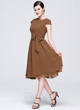 Chiffon Knee-length Bridesmaid Dress with Cap Sleeves And Sashes