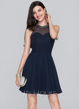 A-Line Scoop Neck Short/Mini Chiffon Homecoming Dress With Beading Sequins (022124865)