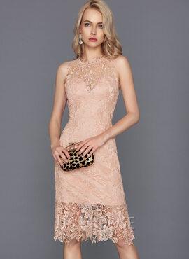 Sheath/Column Scoop Neck Knee-Length Lace Cocktail Dress (016124552)