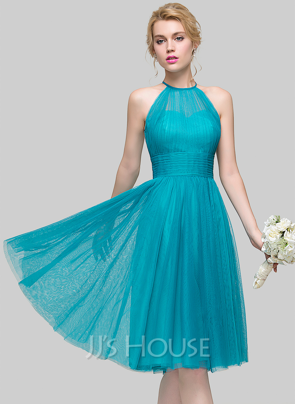 A-Line Scoop Neck Knee-Length Tulle Cocktail Dress With Ruffle