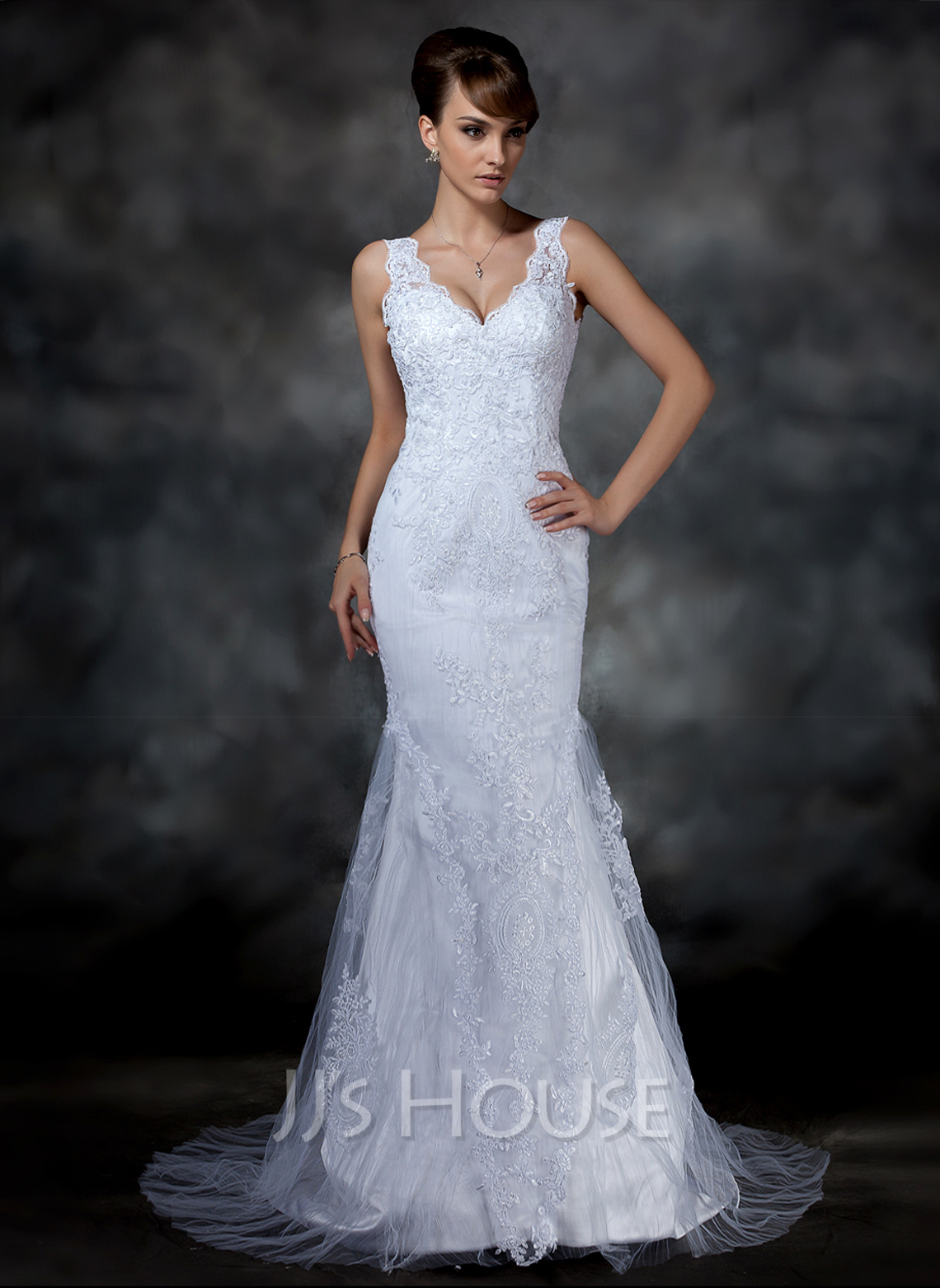 Trumpet/Mermaid V-neck Court Train Tulle Lace Wedding Dress With Beading