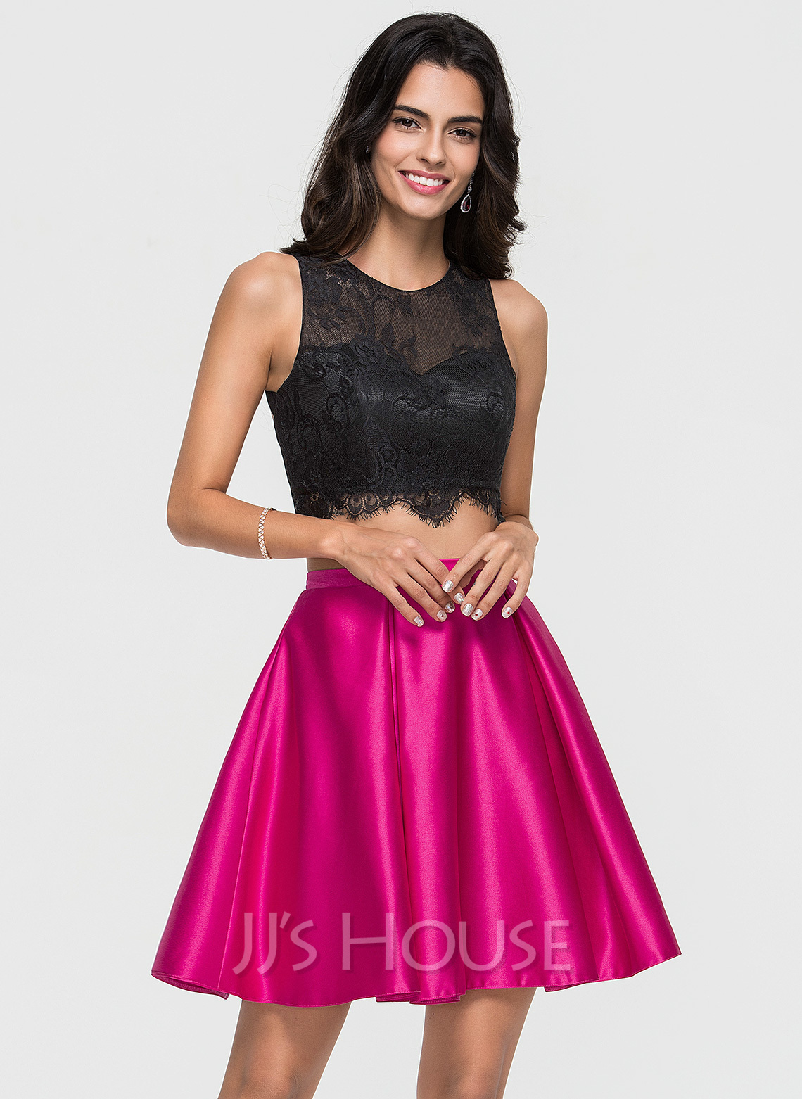 A-Line Scoop Neck Short/Mini Satin Homecoming Dress With Lace