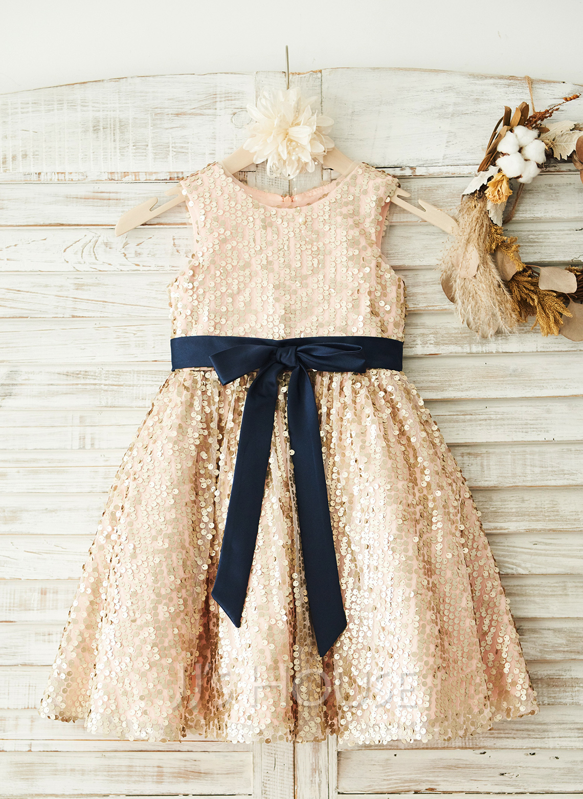 A-Line/Princess Knee-length Flower Girl Dress - Sequined Sleeveless Scoop Neck With Sash/Sequins/Bow(s)