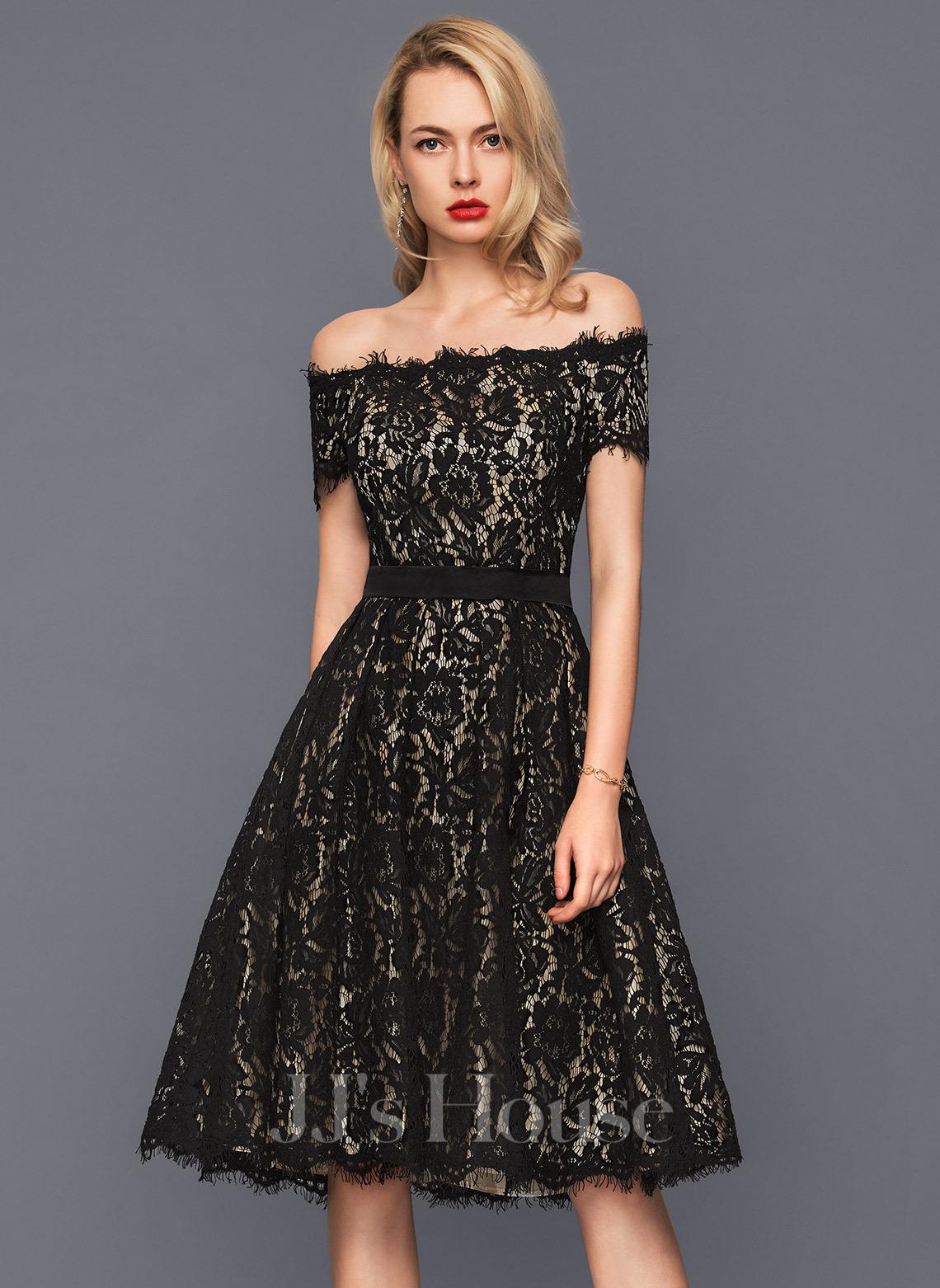 A-Line Off-the-Shoulder Knee-Length Lace Cocktail Dress