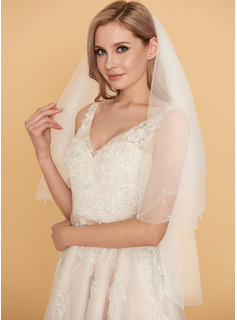 wedding dresses with fluffy bottoms