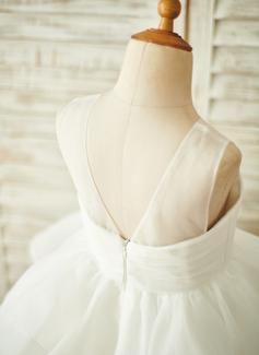 black lace keyhole back dress