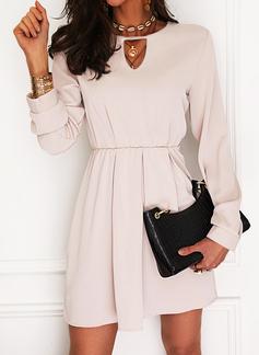 Solid A-line kjole V-hals Lange ermer Midi Elegant Lille svarte skater Motekjoler