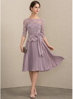 A-Line Scoop Neck Knee-Length Chiffon Lace Mother of the Bride Dress With Bow(s) Pleated
