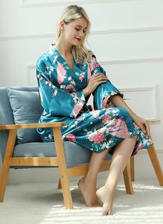 burgundy bridesmaid robes