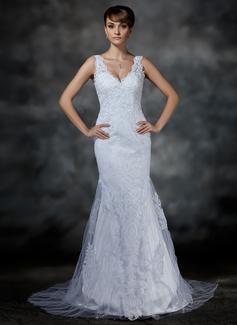 scalloped sleeve wedding dress