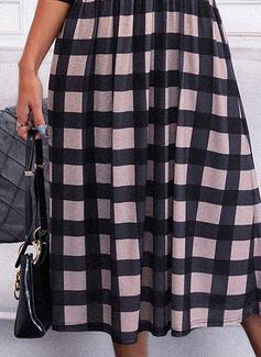 Rutete A-line kjole Skjortekrage Lange ermer Midi Elegant skater Motekjoler