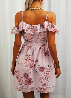 Blomstrete Trykk A-line kjole Kald skulder Kortermer Midi Avslappet Ferie skater Motekjoler
