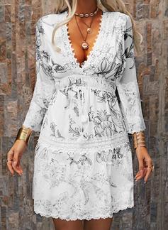 Blomstrete Blonder Trykk Skiftekjoler V-hals Trekvart ermer Midi Avslappet Elegant Tunika Motekjoler