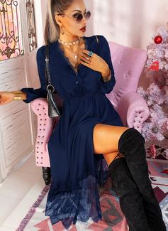 Blonder Solid A-line kjole V-hals Lange ermer Midi Avslappet Lille svarte skater Motekjoler