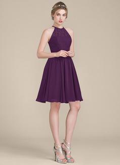 A-Line Scoop Neck Knee-Length Chiffon Lace Bridesmaid Dress