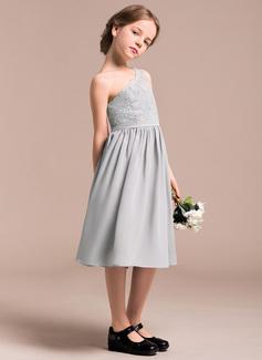 ruffle wedding dress with sleeves