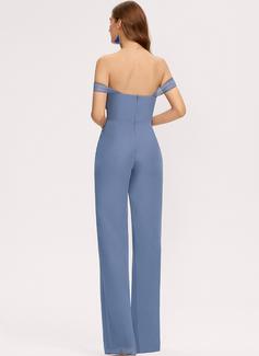 Jumpsuit / Pantsuit Off-the-Shoulder Gulvlengde Chiffong Brudepikekjole med Lommer