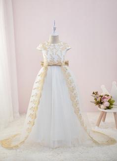 white long sleeve evening dress
