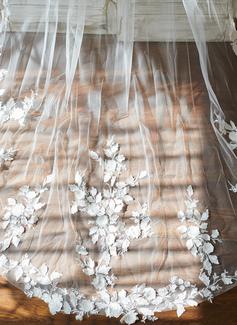 sweetheart neckline fishtail wedding dress