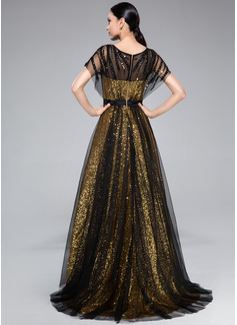 halter neck prom dress hairstyle