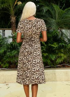 Leopard V-hals Kortermer Midi Motekjoler