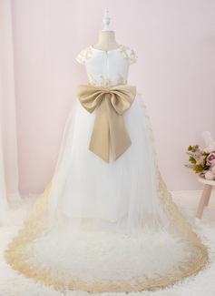 white long sleeve evening dresses