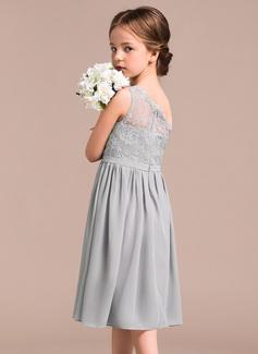 ruffled tulle wedding dress