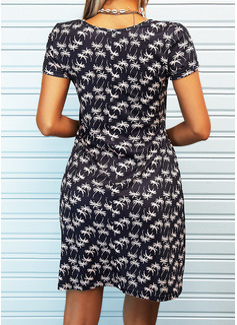 Trykk A-line kjole V-hals Kortermer Midi Avslappet skater Motekjoler
